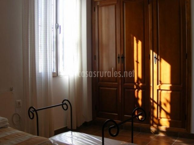 Dormitorio doble con gran armario