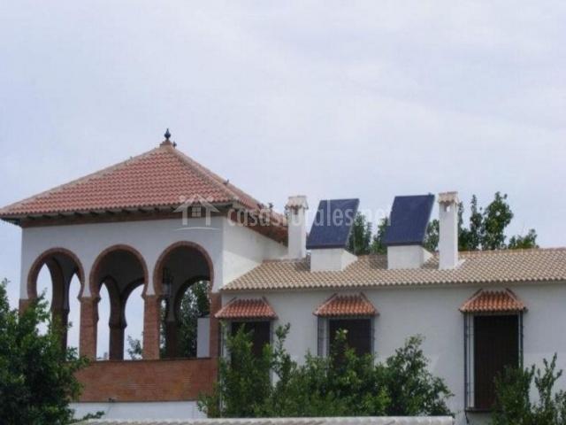 Vistas del tejado con paneles solares