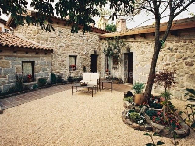 Casa san isidro el patio de valentina en pueblo navacerrada madrid - Casas rurales navacerrada ...