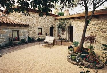 Casa San Isidro - El Patio de Valentina - Pueblo Navacerrada, Madrid