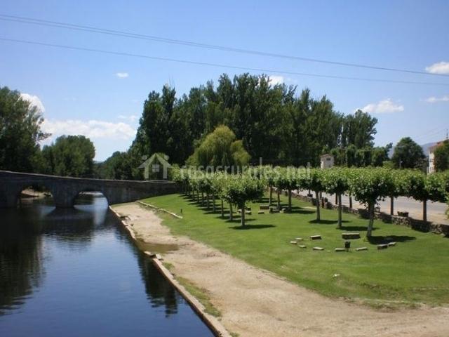 Zona del río Alberche donde se baña la gente en verano