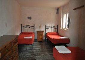 Habitación de 3 camas y vistas
