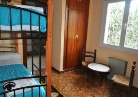 Habitación con literas y vista