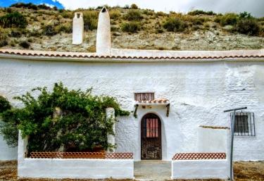 Cuevas Tiana- Cueva Basti - Baza, Granada