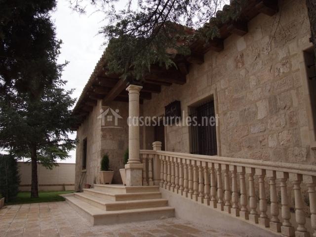 Casa rural el tesorillo casas rurales en casas de for Escaleras entrada casa