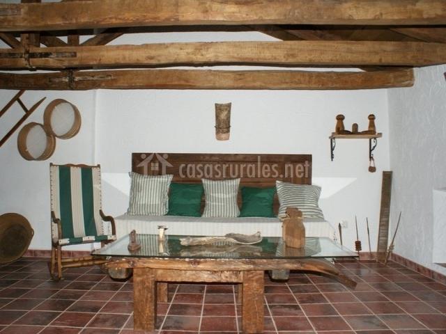 Casa rural t o emilio en bienservida albacete for Muebles buhardilla