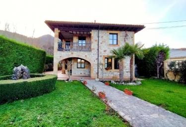 La Casa de Piedra - Cervera De Pisuerga, Palencia