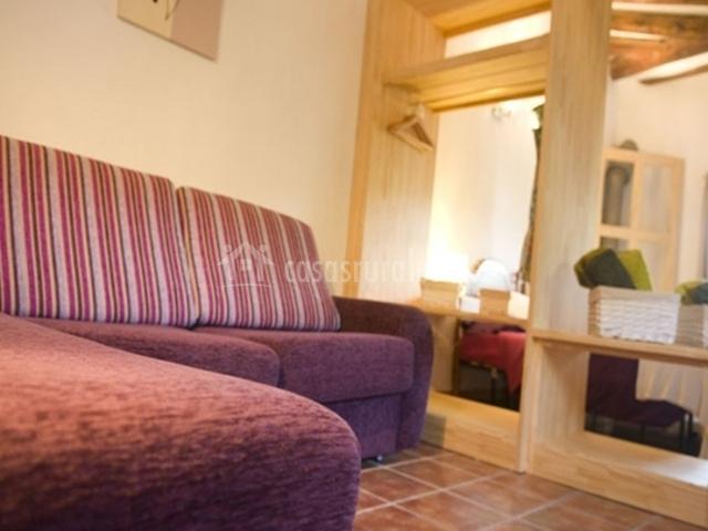 Casa salinas en salinas de jaca huesca for Sofas individuales comodos