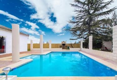 Lavish Villa - Villamuriel De Cerrato, Palencia