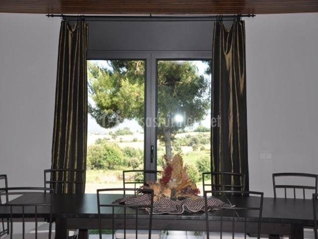 Pla del forn en casserres barcelona for Sala de estar y comedor