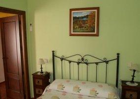 Dormitorio matrimonial en color verde