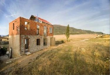 La Ruina Habitada - Porquera De Los Infantes, Palencia