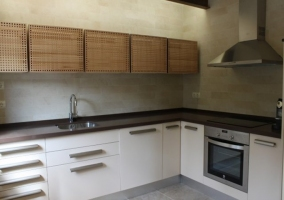 Moderna cocina de la casa rural