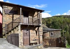 A Ledicia- Casas de Outeiro