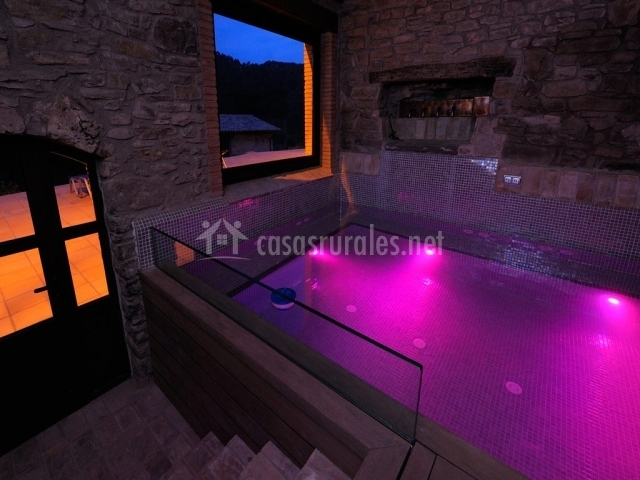 Baumala en borreda barcelona - Casa rural catalunya piscina interior ...