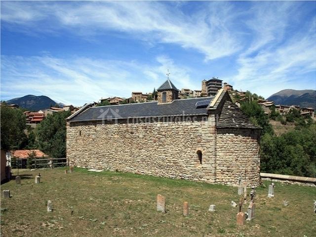 Iglesia de Sant Genís de Montellá