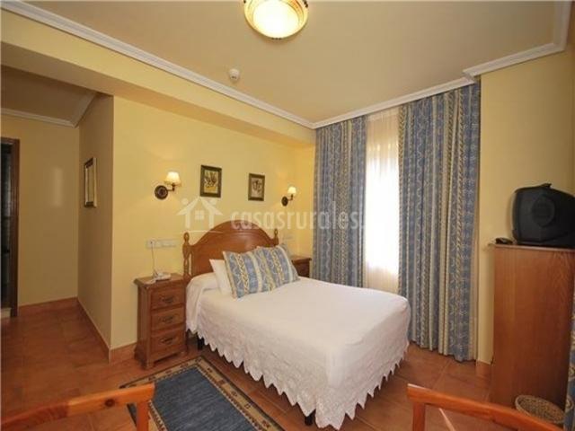 Hotel la casa de juansabeli en arenas de cabrales asturias - Hotel la casa de juansabeli ...