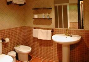 Cuarto de baño de uno de los apartamentos