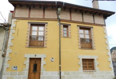 Casa rural Pinacho - Pino De Bureba, Burgos
