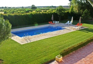 Casas rurales con piscina en aranjuez for Casa rural con piscina climatizada madrid