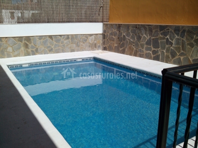 Casa sierra de c diz 1 casas rurales en el bosque c diz for Barbacoa y piscina madrid