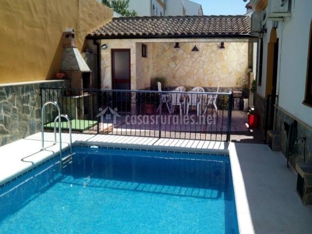 Casa sierra de c diz 1 casas rurales en el bosque c diz for Alojamiento con piscina