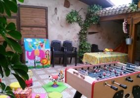 Muebles jardín y futbolín