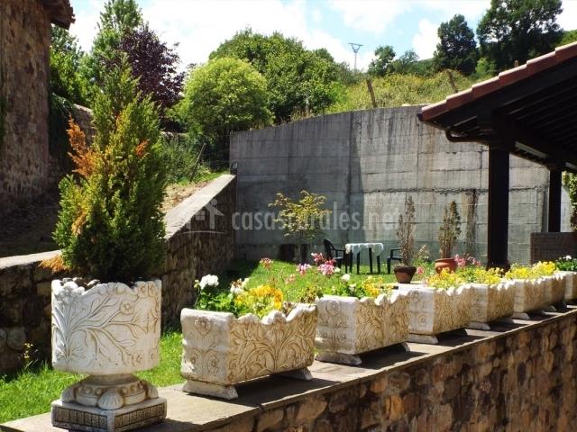 El jardín y el porche
