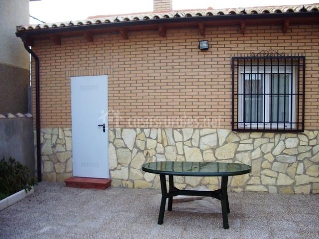 Casa carmen en valderrebollo guadalajara - Fachadas de piedra y ladrillo ...