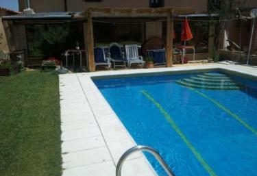 Casas rurales con piscina en zamora for Piscina climatizada de zamora