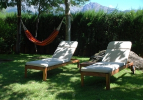 Los olivos casas rurales en mombeltran vila - Espacio chill out ...