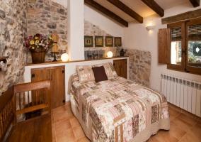 Dormitorio de matrimonio en piedra