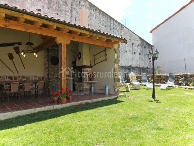 La cantarilla 258 en aldehuela del rincon soria for Barbacoas de jardin baratas