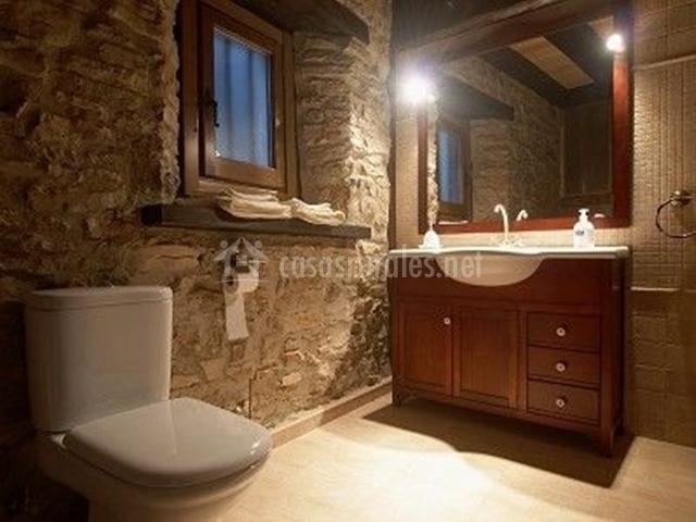 El viejo pozo casas rurales en abejar soria for Banos rusticos en piedra y madera