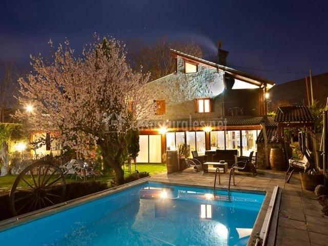 Casa rural cruz casa rural en aguilar del rio alhama la for Casas rurales con piscina particular
