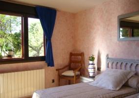Dormitorio con radiador