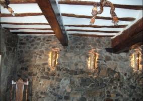 Vigas de madera en el techo