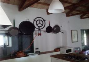 Cocina con utensilios al completo