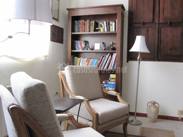 Casa rural el gaiter en aguaviva teruel - Sillones para leer ...