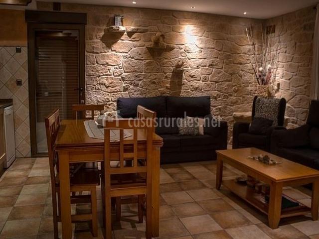 Casa cierzo en santa eulalia teruel for Enchapes cocinas modernas