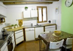 Cocina completa con lavavajillas