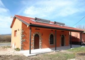 Exterior con fachada