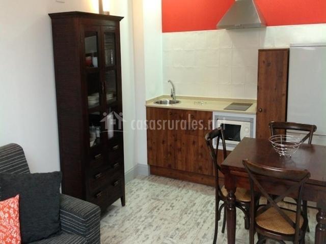 La villa de piedra en cartes cantabria for Cocina abierta sala de estar