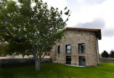 Casa Rural Irisarri - Salinas De Ibargoiti, Navarra