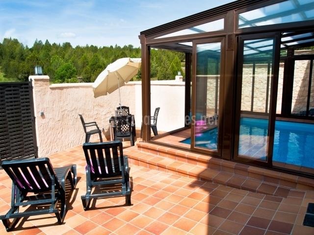 El encanto el encanto del sabinar casas rurales en casla segovia - Casa rural con piscina cubierta ...