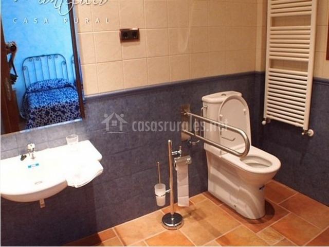 Cuarto de baño para personas con movilidad reducida