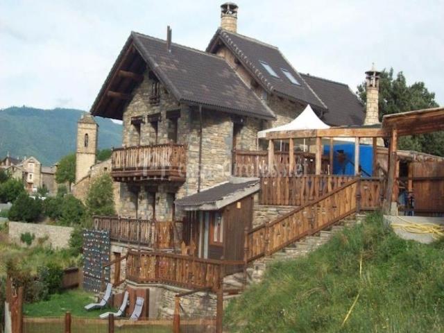 Vista exterior del albergue