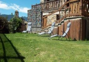 Con jardín y rocódromo