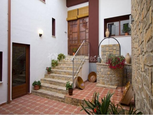 Casa frigols en chella valencia for Barbacoa patio interior