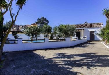 15 casas rurales con piscina en costa de la luz for Casa rural para 15 personas con piscina